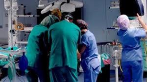 Morto dopo protesi ginocchio: 20 medici indagati a Bari