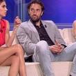 Melissa Satta, brividi a Tiki Taka: accavalla le gambe come Sharon Stone