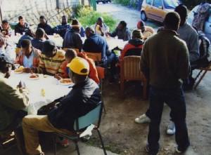 """Reggio Emilia, rivolta pasta migranti: """"Dateci spaghetti"""""""
