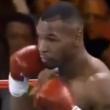 VIDEO YOUTUBE Tyson sul ring nel 1995, spunta smartphone 02