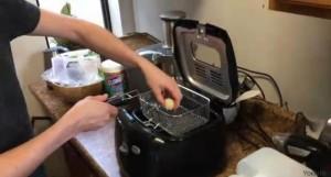 Guarda la versione ingrandita di  Acqua fritta? Come cucinarla (con trucco)