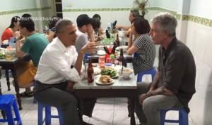Obama, cena da 6 dollari (birra compresa) con Bourdain a Hanoi