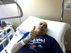 Paolo Brosio torna a camminare. Primi passi in ospedale