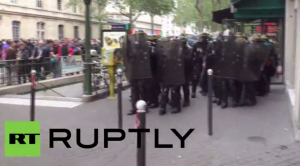 YOUTUBE Francia, ancora scontri contro la riforma del Lavoro