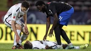 YOUTUBE Calcio Patrick Ekeng muore in campo: attacco di cuore
