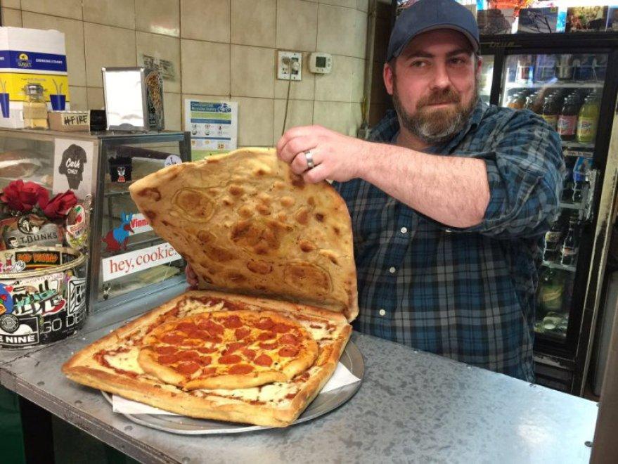 Vinnie's, artista pizza da New York: per cartone usa... FOTO