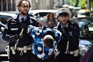 Firenze, scippo durante l'incidente stradale mortale