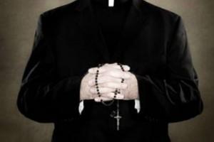 Roma, si finge prete per far pagare ingresso chiesa: preso