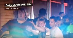 Polizia aggredisce ragazza a comizio Donald Trump