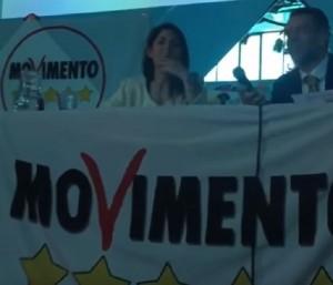 """VIDEO """"Vigili stanno a fa' le multe"""": panico conferenza M5S"""