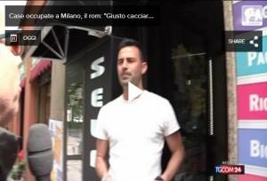 """Milano, rom occupa casa anziani: """"Tanto loro muoiono o..."""""""