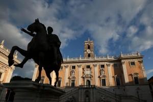 Roma, in permesso per pesanti cure. Su Fb foto in vacanza