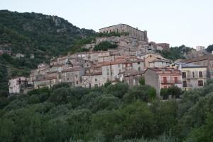 Salerno, malato terminale si butta nel burrone