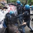 YOUTUBE Salvini a Bologna, polizia carica antagonisti7