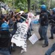 YOUTUBE Salvini a Bologna, polizia carica antagonisti5