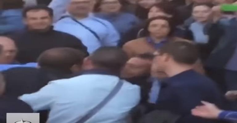 YOUTUBE Rossano, comizio Salvini: bloccato con martello e...4