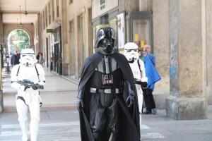 Spot con abiti Star Wars, scambiati per terroristi