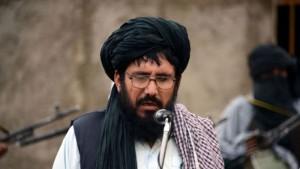 Talebani afghani eleggono leader il maestro del Mullah Omar
