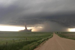 YOUTUBE Tornado Colorado. VIDEO nell'occhio del ciclone