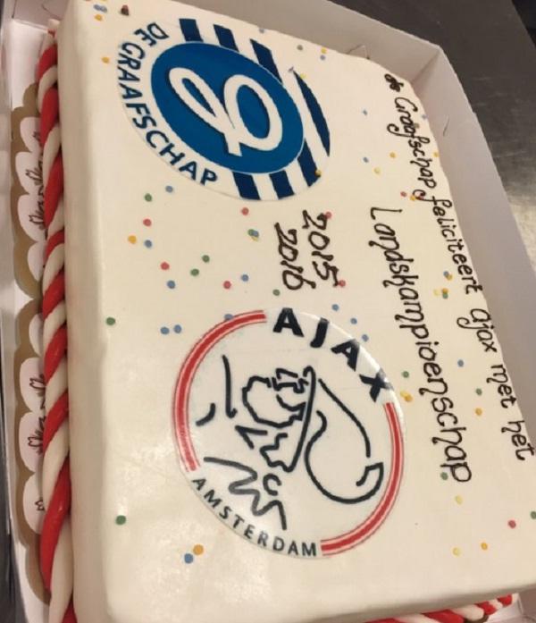 Ajax perde campionato ultima giornata: c'era la torta pronta