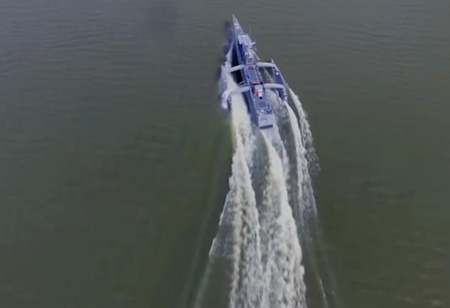 YOUTUBE Sea Hunter, il trimarano da guerra senza equipaggio 06