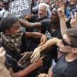 San Diego, scontri al comizio di Donald Trump: arresti FOTO03