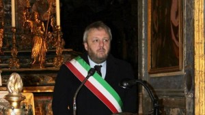 """Lodi, il sindaco Uggetti """"capace di intimidire testimoni"""""""
