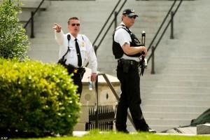 Guarda la versione ingrandita di Spari a Washington vicino Casa Bianca: preso uomo armato