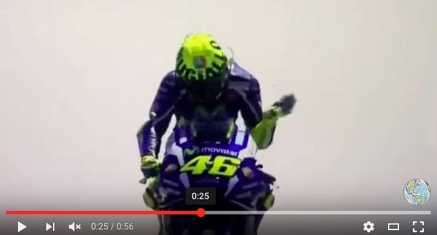 VIDEO YOUTUBE Valentino Rossi fuori Gp Mugello: fumo motore_4