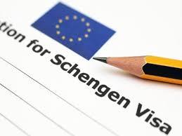 Tassa ingresso in Ue 50 € agli stranieri per fondo migranti