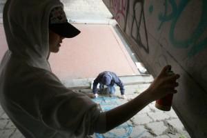 Forlì, ragazzini sorpresi a imbrattare muro: figli di...