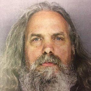 """Piccola Amish """"regalata"""" a uomo: tre incriminati negli Usa"""