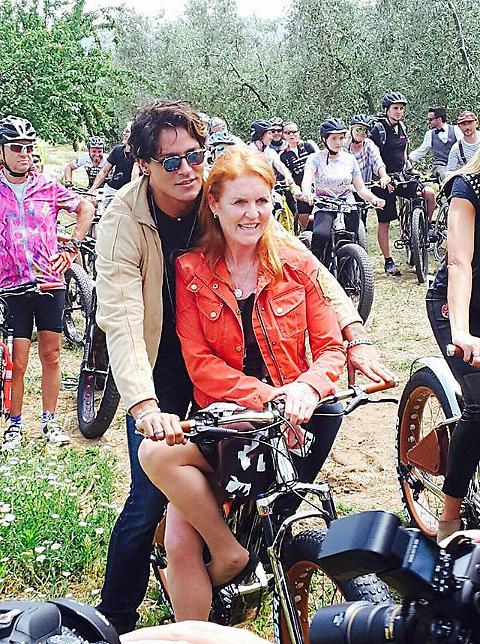Gabriel Garko con Sarah Ferguson in Toscana FOTO 01