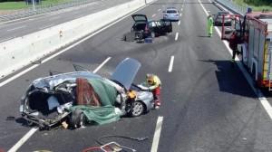 Schianto su autostrada Torino-Savona: due morti e tre feriti