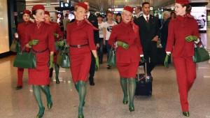 Alitalia made in Etihad: calze e guanti verde vomito