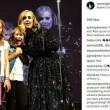 Adele alla fan sul palco Oh mio Dio, ti conosco2