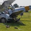Aereo acrobatico precipita FOTO: ferita donna4