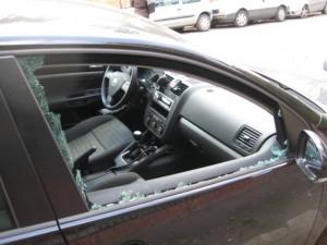 Bambino resta chiuso in auto, trovato morto dai genitori
