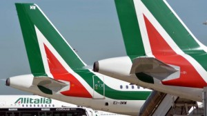 Catania: scoppia il motore ad un aereo in fase di decollo, paura per 150 passeggeri