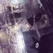 Cina,coppia balla su cornicione grattacielo. Arte o incoscienza7