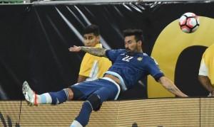 Guarda la versione ingrandita di YOUTUBE Copa America, Lavezzi si frattura gomito in campo