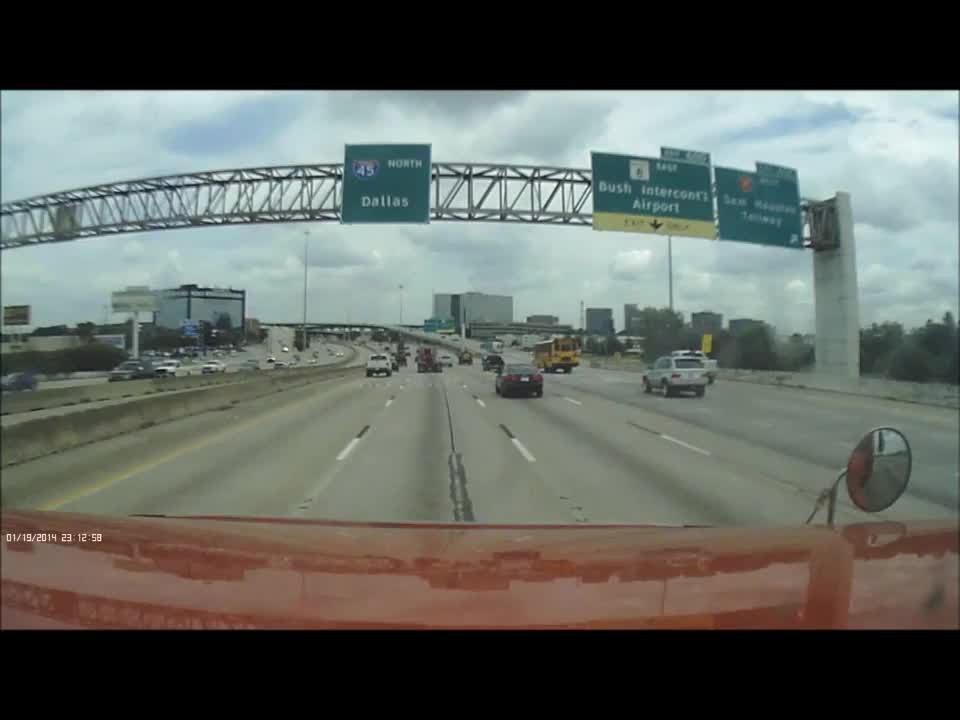 Due Tir si scontrano: fiamme sull'autostrada1