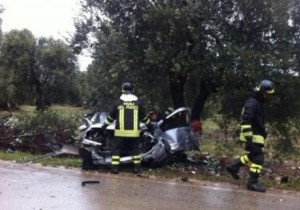 Siracusa, morto 18enne in incidente: arrestato amico alla guida