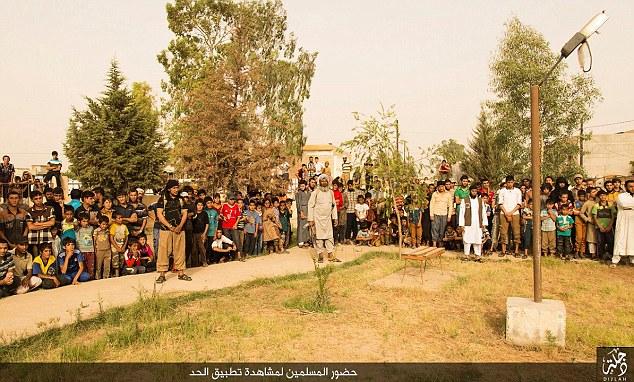 Isis, 4 uomini sposati lapidati a morte per adulterio FOTO 4