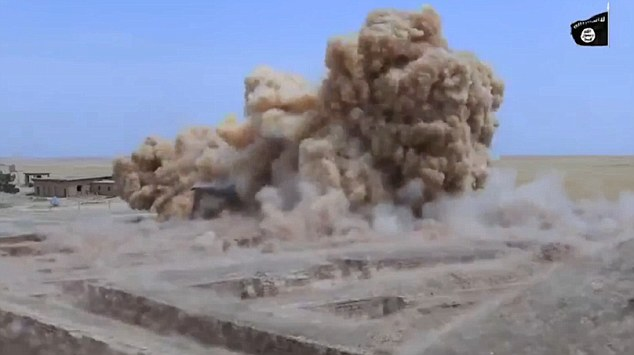"""Isis minaccia: """"Distruggeremo le piramidi del Cairo""""5"""
