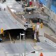 Ottawa, voragine in strada: auto inghiottita