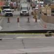 Ottawa, voragine in strada: auto inghiottita3