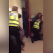 Poliziotti malmenati da due ragazzini di 15 e 16 anni