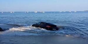 Porsche in sosta vicino alla spiaggia la mattina dopo....5