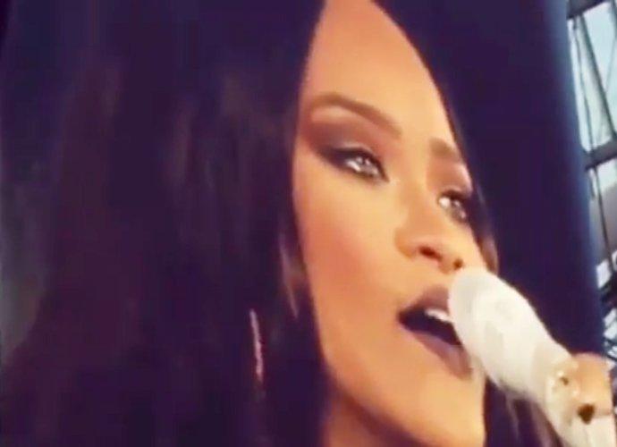 Rihanna piange interrompe concerto e scende dal palco